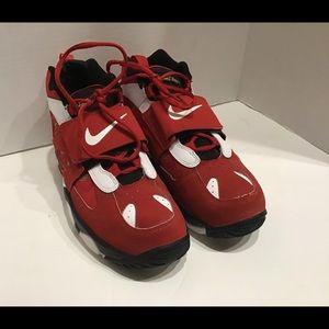 Nike Air Diamond Turf 2 GS Vrsty Red Gld Size 7Y